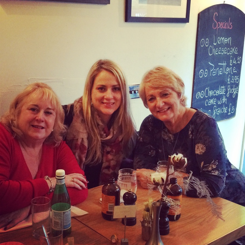 Aunty Hilary, Me and Mum at La Locanda