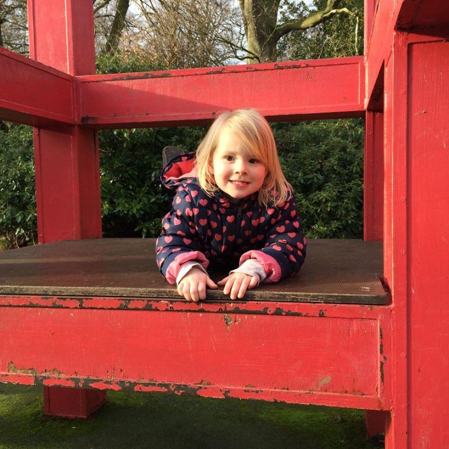 Elodie at Vogrie Park